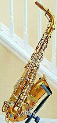 King Super 20 Alto Saxophone just overhauled with roo pads