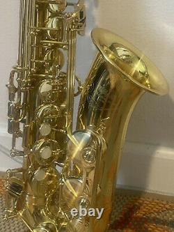 YAMAHA YAS-52 INTERMEDIATE ALTO SAXOPHONE WithPro Tec Countoured CASE withStrap